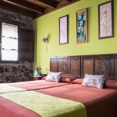 Gaviella, habitación con vistas al jardín