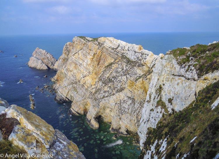 VIsta de los acantilados del Cabo de peñas