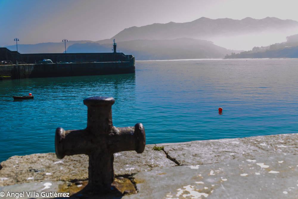 Detalle del puerto de Lastres.